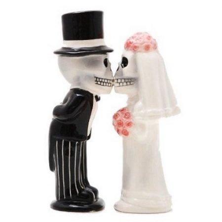 Bride And Groom Skeletons Kissing Magnetic Salt and Pepper Shakers
